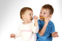 Гигиеническая чистка зубов детям